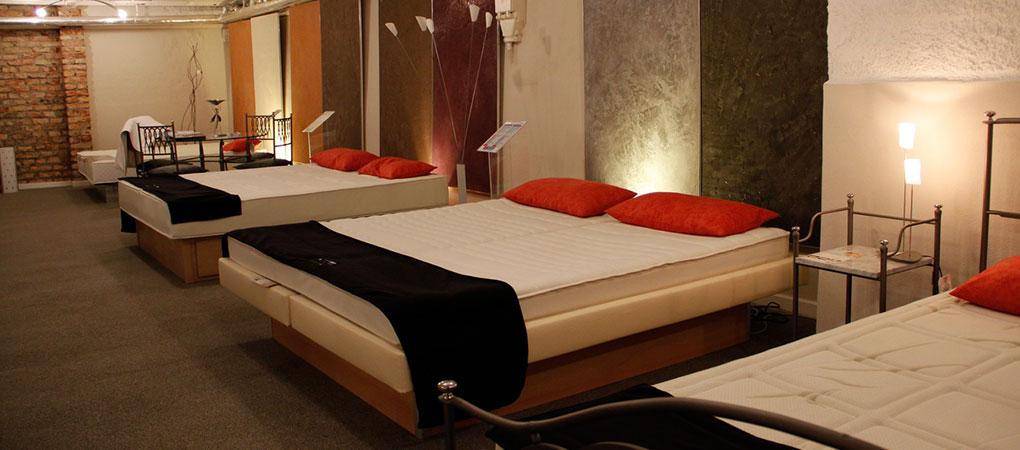betten hillenmeyer wir schicken ihre r ckenschmerzen in. Black Bedroom Furniture Sets. Home Design Ideas